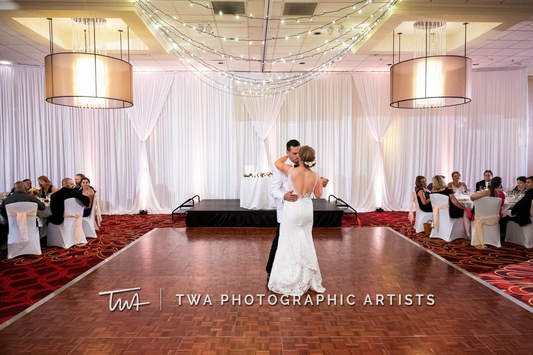 Chicago-Wedding-Photographers-Renaissance-Hotel_Hohensee_Fleishman_JG_DK-079-0584