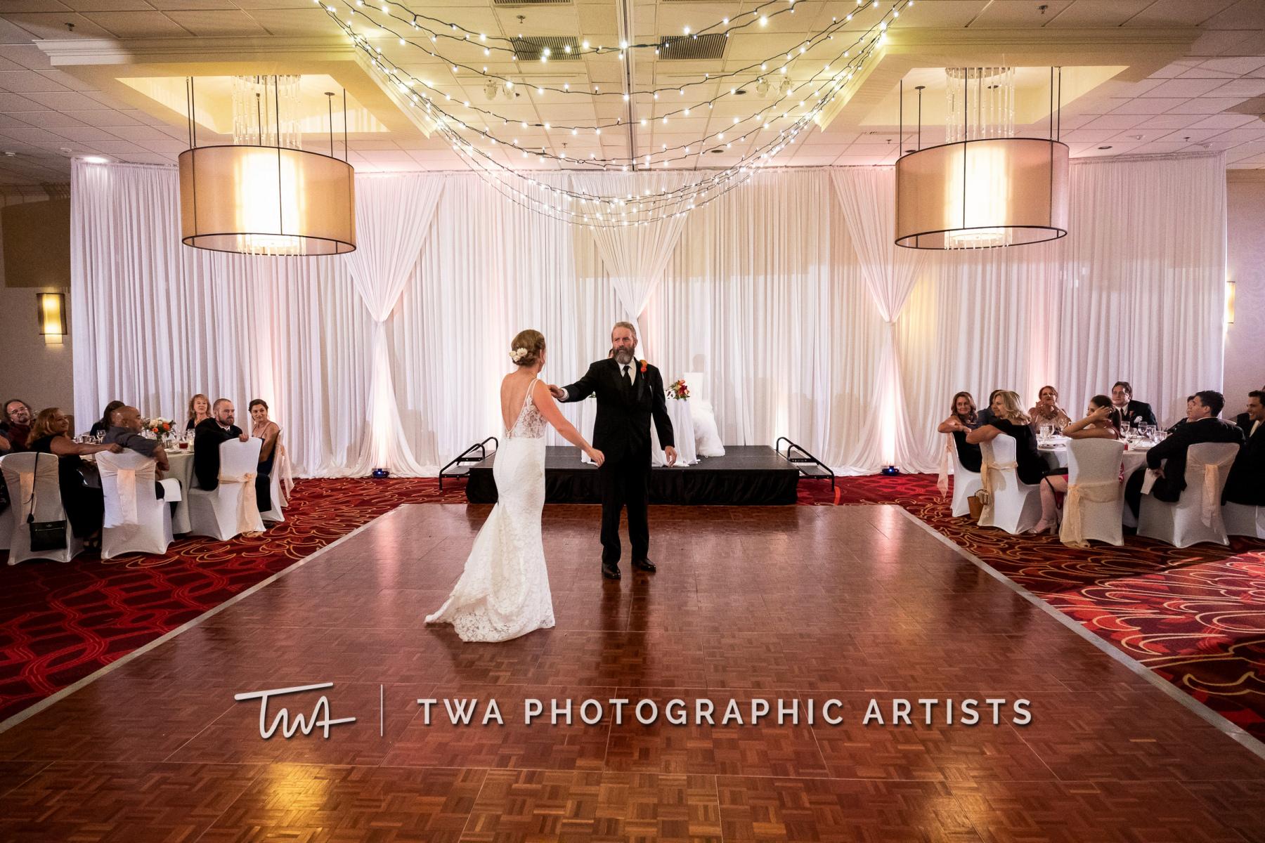 Chicago-Wedding-Photographers-Renaissance-Hotel_Hohensee_Fleishman_JG_DK-081-0609
