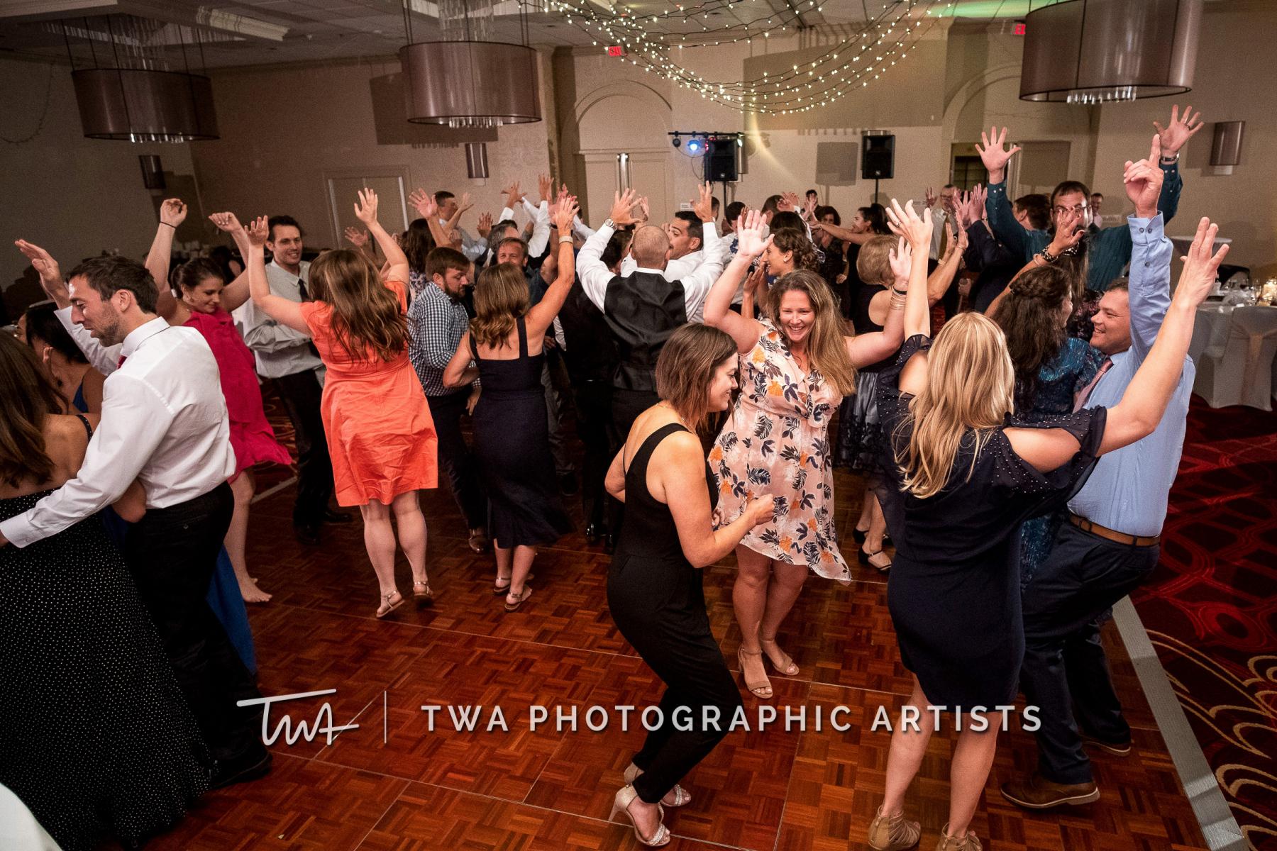 Chicago-Wedding-Photographers-Renaissance-Hotel_Hohensee_Fleishman_JG_DK-083-0670