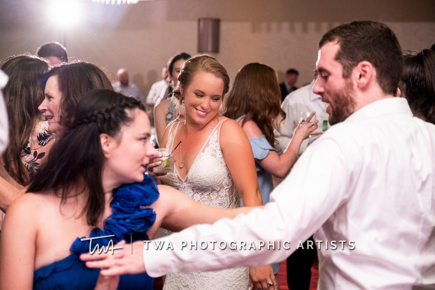 Chicago-Wedding-Photographers-Renaissance-Hotel_Hohensee_Fleishman_JG_DK-085-0779