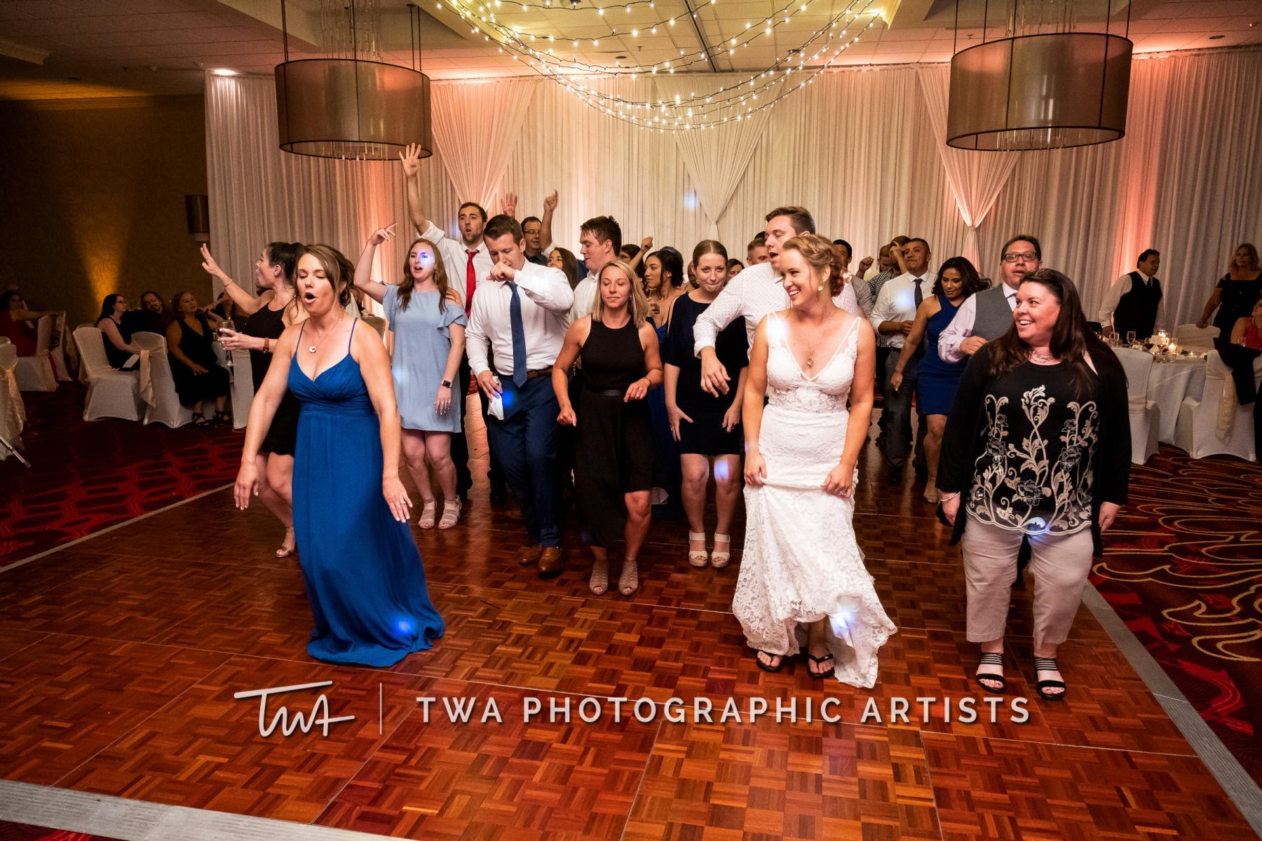 Chicago-Wedding-Photographers-Renaissance-Hotel_Hohensee_Fleishman_JG_DK-086-0807