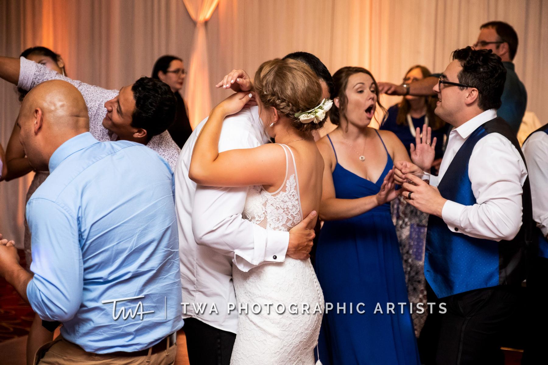 Chicago-Wedding-Photographers-Renaissance-Hotel_Hohensee_Fleishman_JG_DK-087-0852