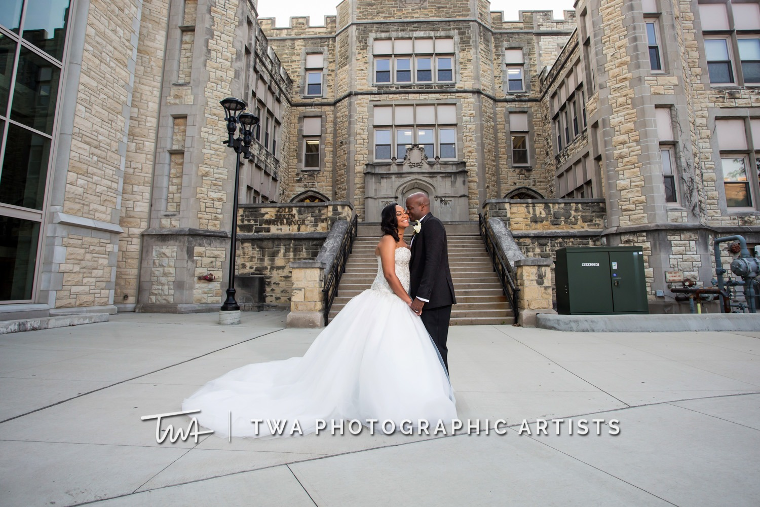 Chicago-Wedding-Photographer-TWA-Photographic-Artists-Haley-Mansion_Graves_Moffett_JM-021_0359