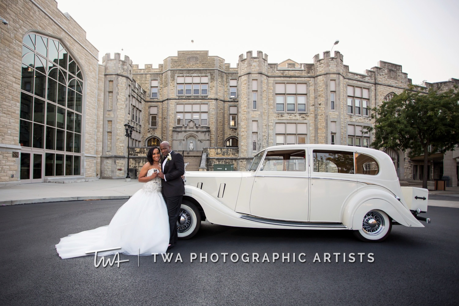 Chicago-Wedding-Photographer-TWA-Photographic-Artists-Haley-Mansion_Graves_Moffett_JM-026_0405