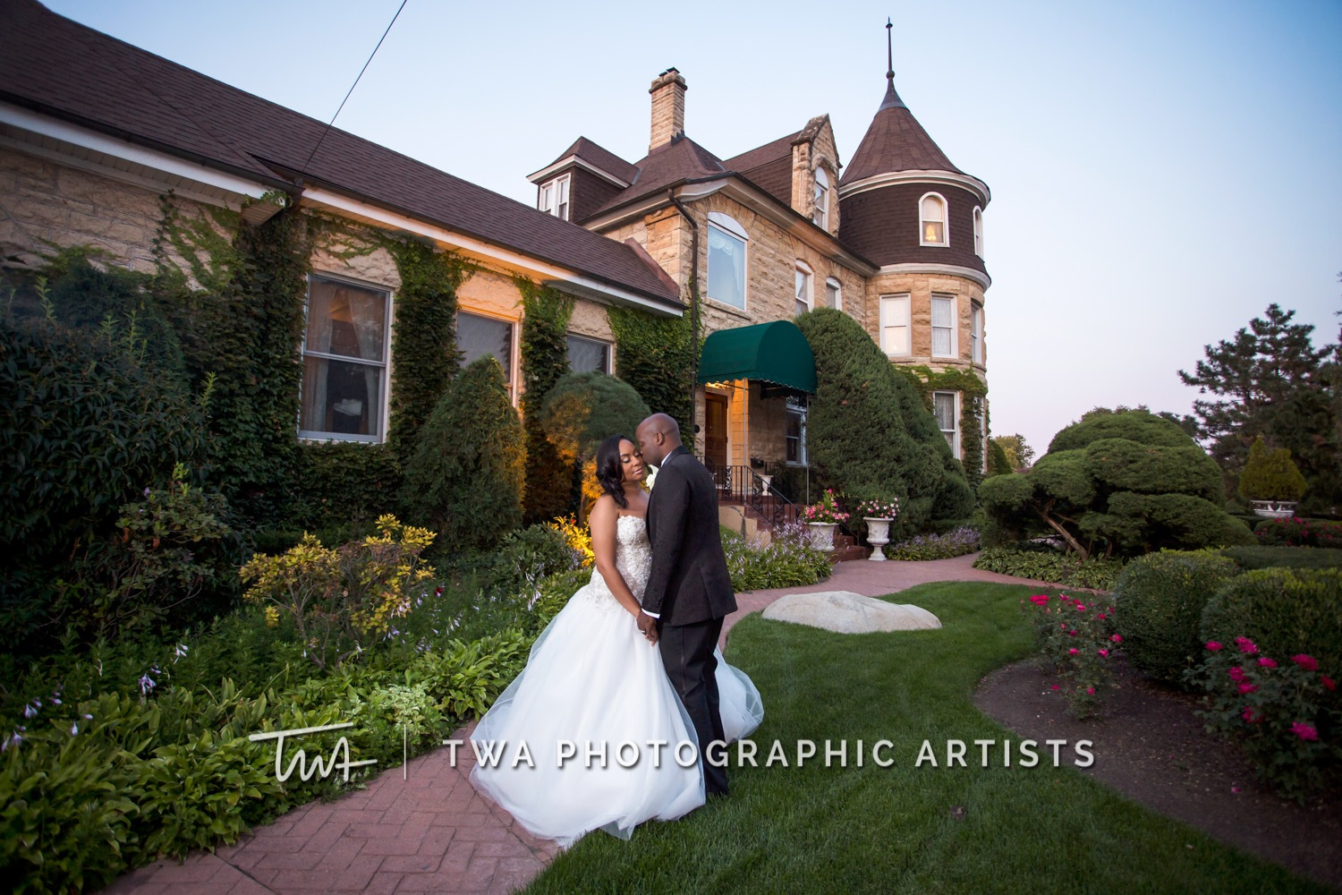 Chicago-Wedding-Photographer-TWA-Photographic-Artists-Haley-Mansion_Graves_Moffett_JM-033_0465