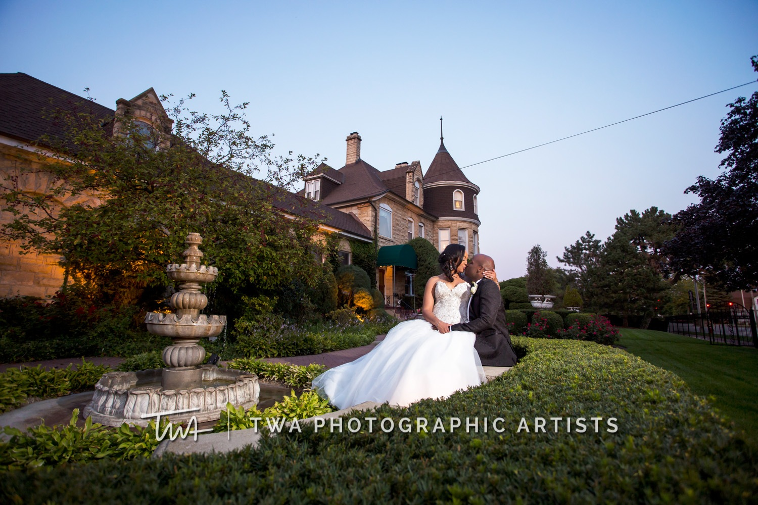 Chicago-Wedding-Photographer-TWA-Photographic-Artists-Haley-Mansion_Graves_Moffett_JM-034_0470