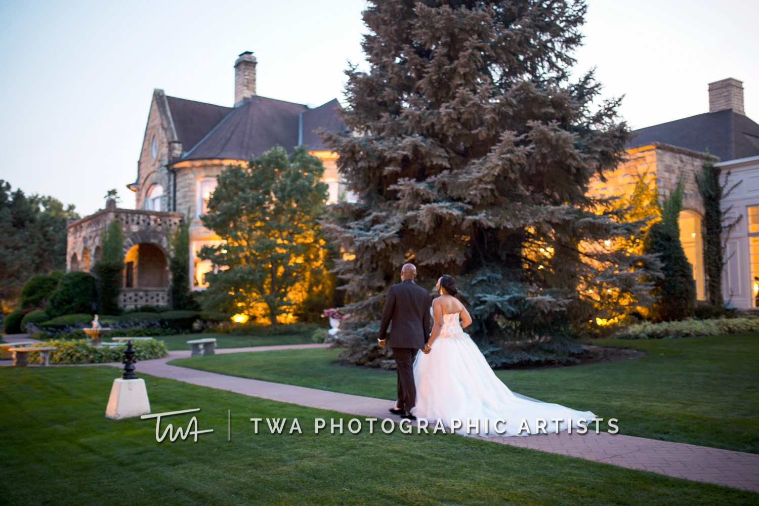 Chicago-Wedding-Photographer-TWA-Photographic-Artists-Haley-Mansion_Graves_Moffett_JM-039_0527