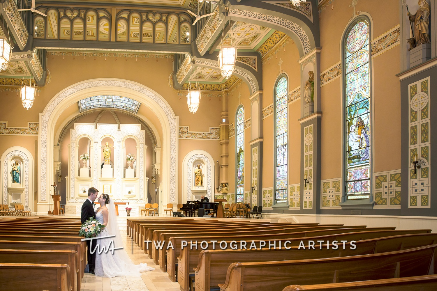 Chicago-Wedding-Photographer-TWA-Photographic-Artists-Galleria-Marchetti_Bessonny_Green_JA_ME-0618