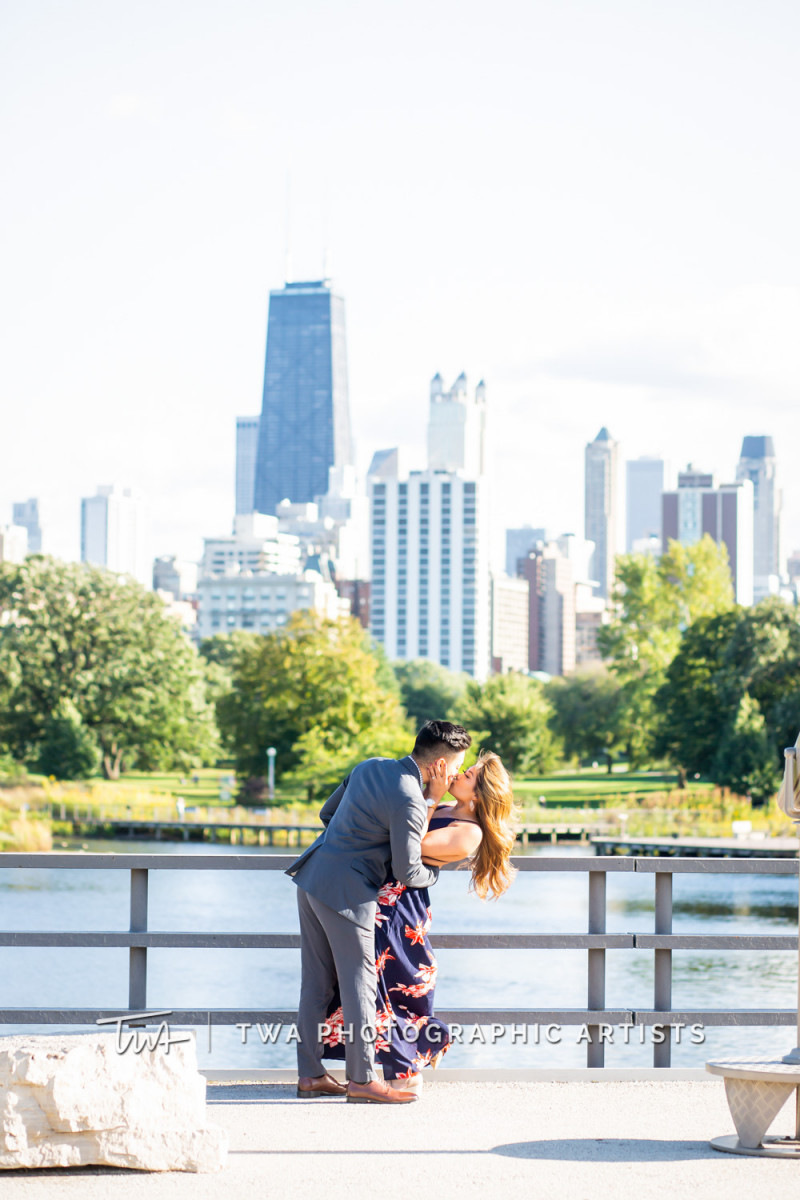Chicago-Wedding-Photographer-TWA-Photographic-Artists-North-Ave-Beach_Butthajit_Dinh_MJ-022
