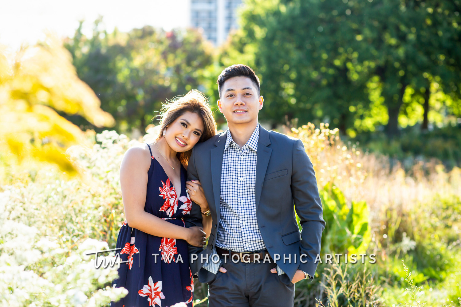 Chicago-Wedding-Photographer-TWA-Photographic-Artists-North-Ave-Beach_Butthajit_Dinh_MJ-023