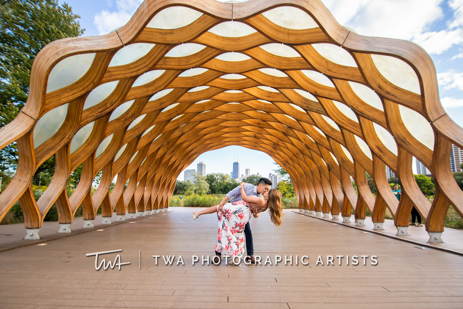 Chicago-Wedding-Photographer-TWA-Photographic-Artists-North-Ave-Beach_Butthajit_Dinh_MJ-042