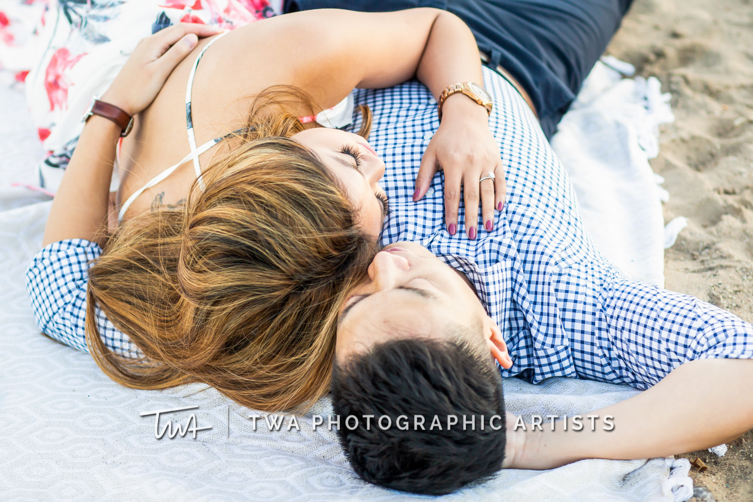 Chicago-Wedding-Photographer-TWA-Photographic-Artists-North-Ave-Beach_Butthajit_Dinh_MJ-078