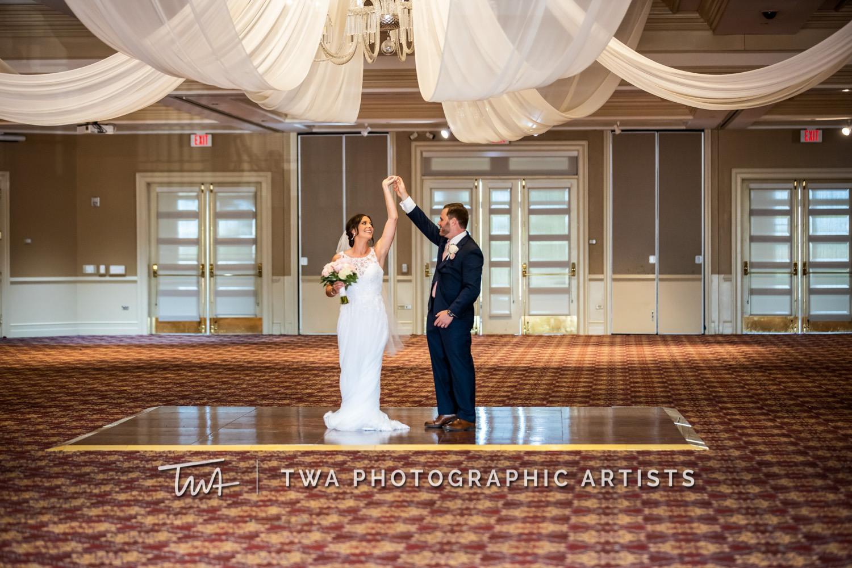 Chicago-Wedding-Photographer-TWA-Photographic-Artists-Bolingbrook-Golf-Club_Avery_Reitz_MiC-085_0731