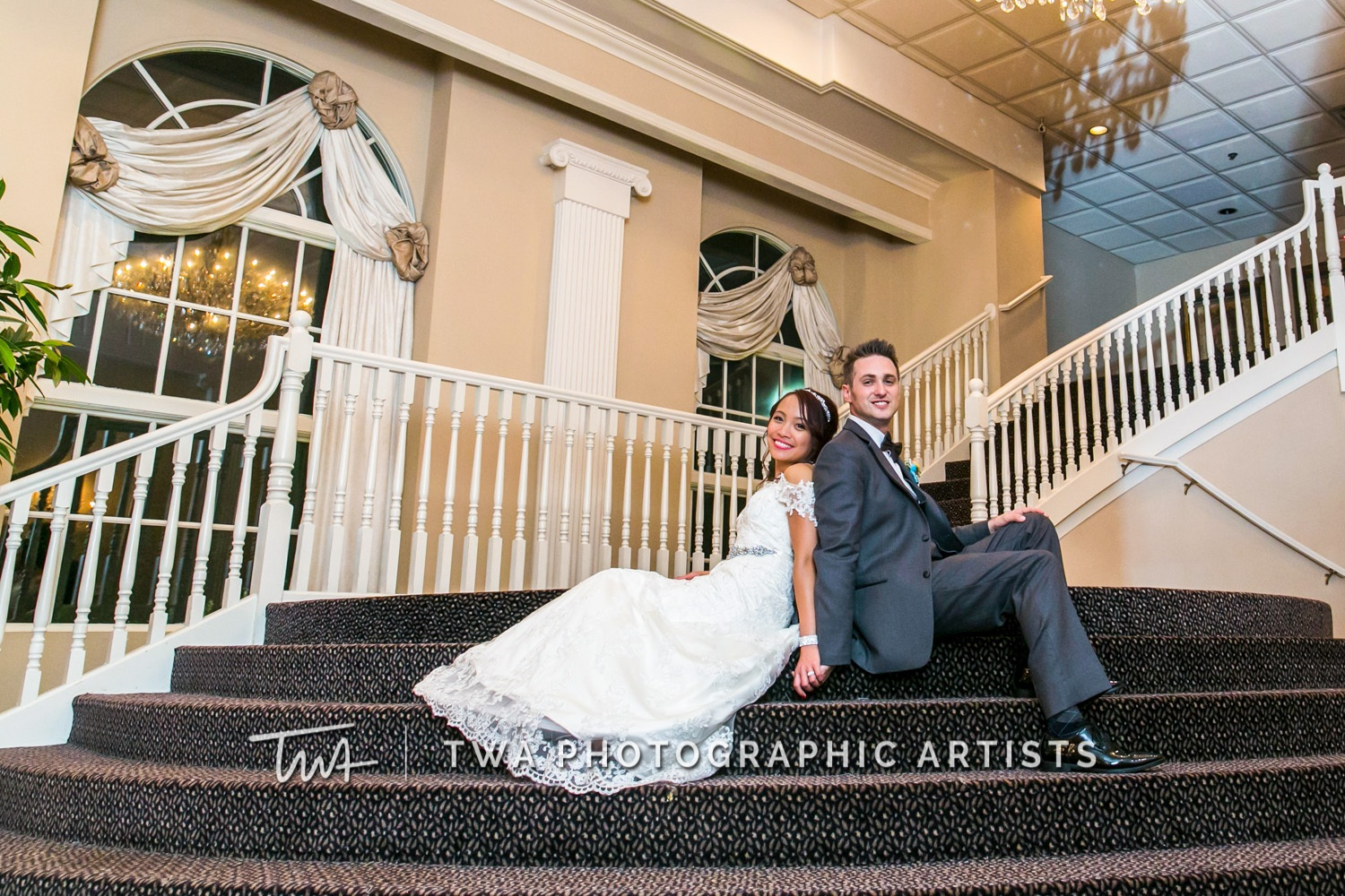 Chicago-Wedding-Photographer-TWA-Photographic-Artists-Abbington-Banquets_Gaela_Bowles_DR-0854
