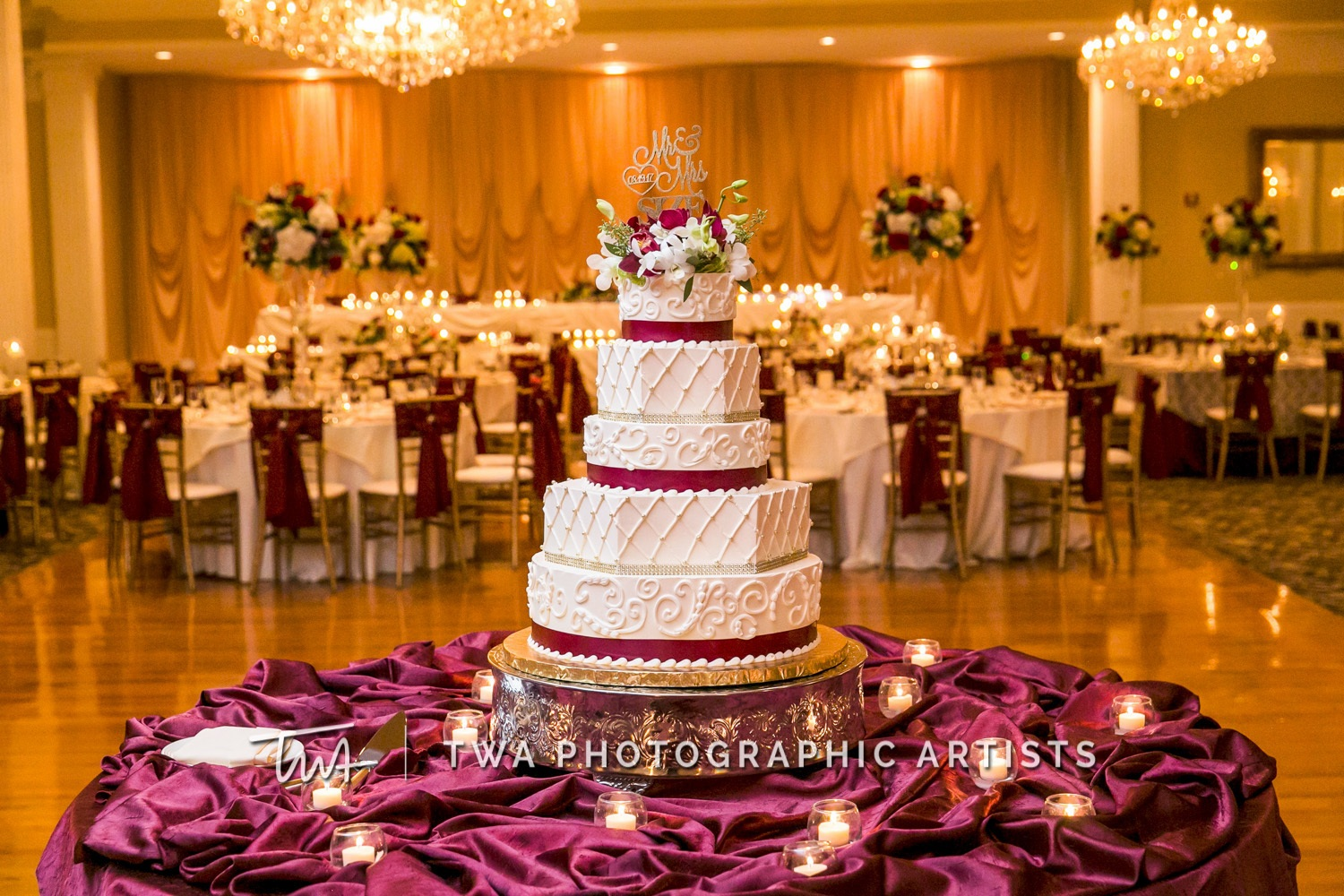Chicago-Wedding-Photographer-TWA-Photographic-Artists-Abbington-Banquets_Green_Size_MiC_DR-1176