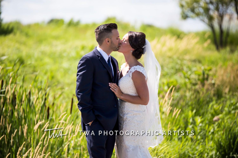 Chicago-Wedding-Photographer-TWA-Photographic-Artists-Bolingbrook-Golf-Club_Ruggio_B_JG_ME-0199