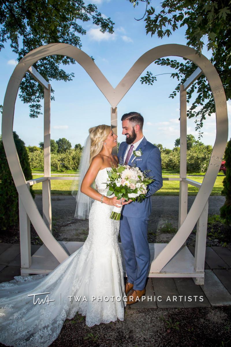 Chicago-Wedding-Photographer-TWA-Photographic-Artists-County-Line-Orchard_Cerf_Delay_JA_SG-1345