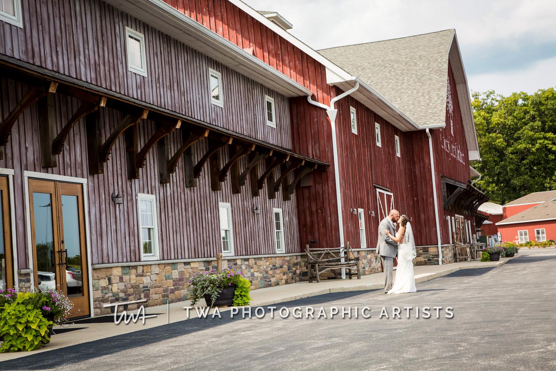 Chicago-Wedding-Photographer-TWA-Photographic-Artists-County-Line-Orchard_Fahey_Rewa_DB_JR-0215