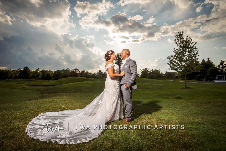 Chicago-Wedding-Photographer-TWA-Photographic-Artists-Ruffled-Feathers_Gonzalez_Ibarra_MiC_TL-0438