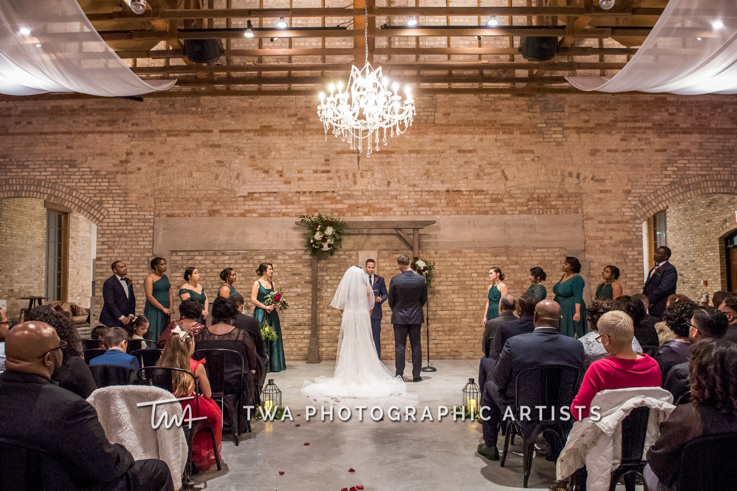 Chicago-Wedding-Photographer-TWA-Photographic-Artists-Brix-on-the-Fox_Johnson_Carrion_NO_DR-0701