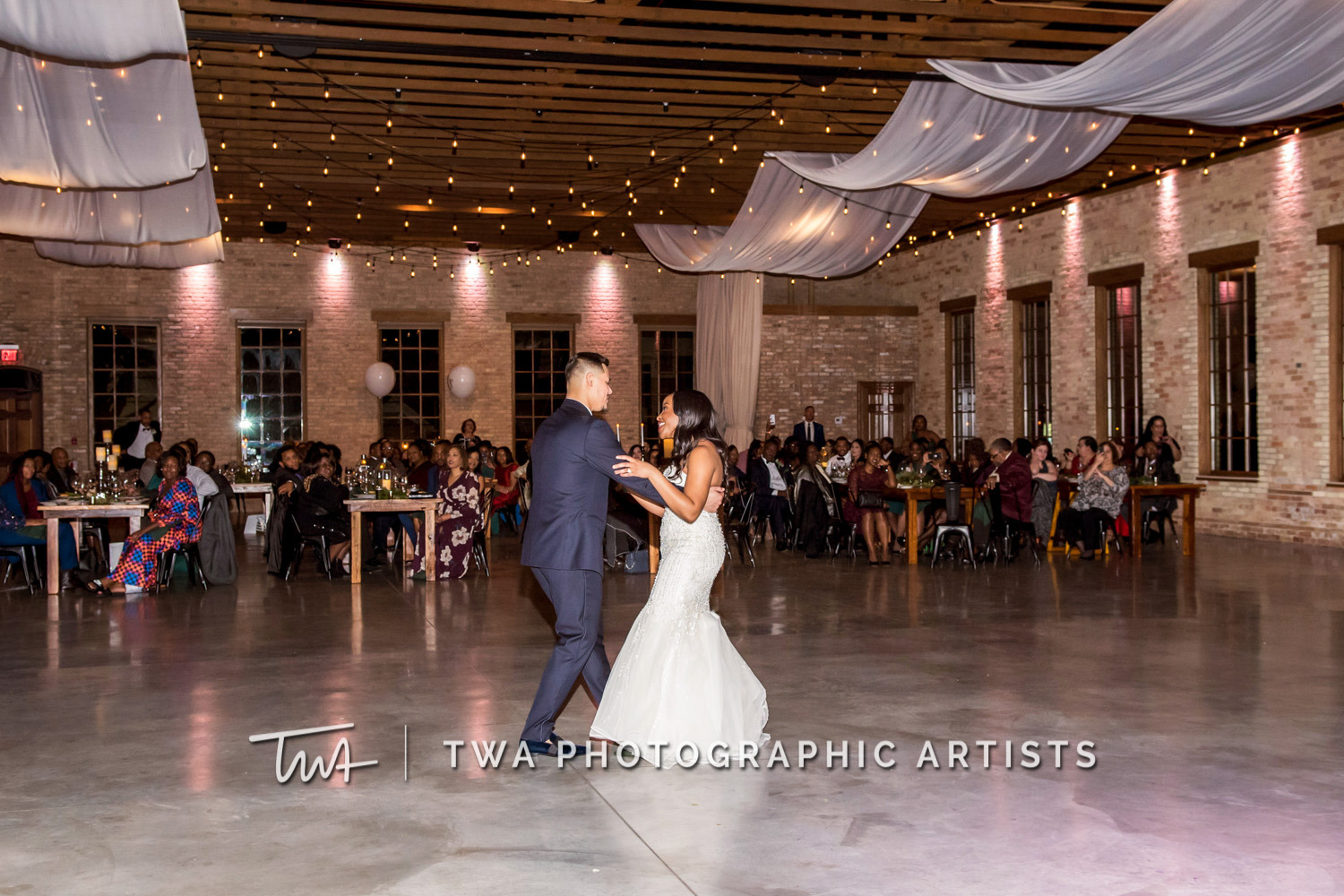 Chicago-Wedding-Photographer-TWA-Photographic-Artists-Brix-on-the-Fox_Johnson_Carrion_NO_DR-1017