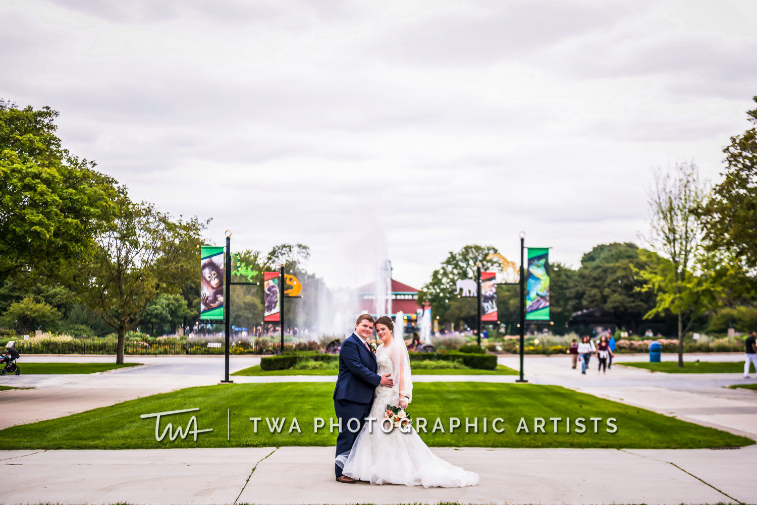 Chicago-Wedding-Photographer-TWA-Photographic-Artists-Brookfield-Zoo_Chiluski_Roach_ZZ_TL-0321