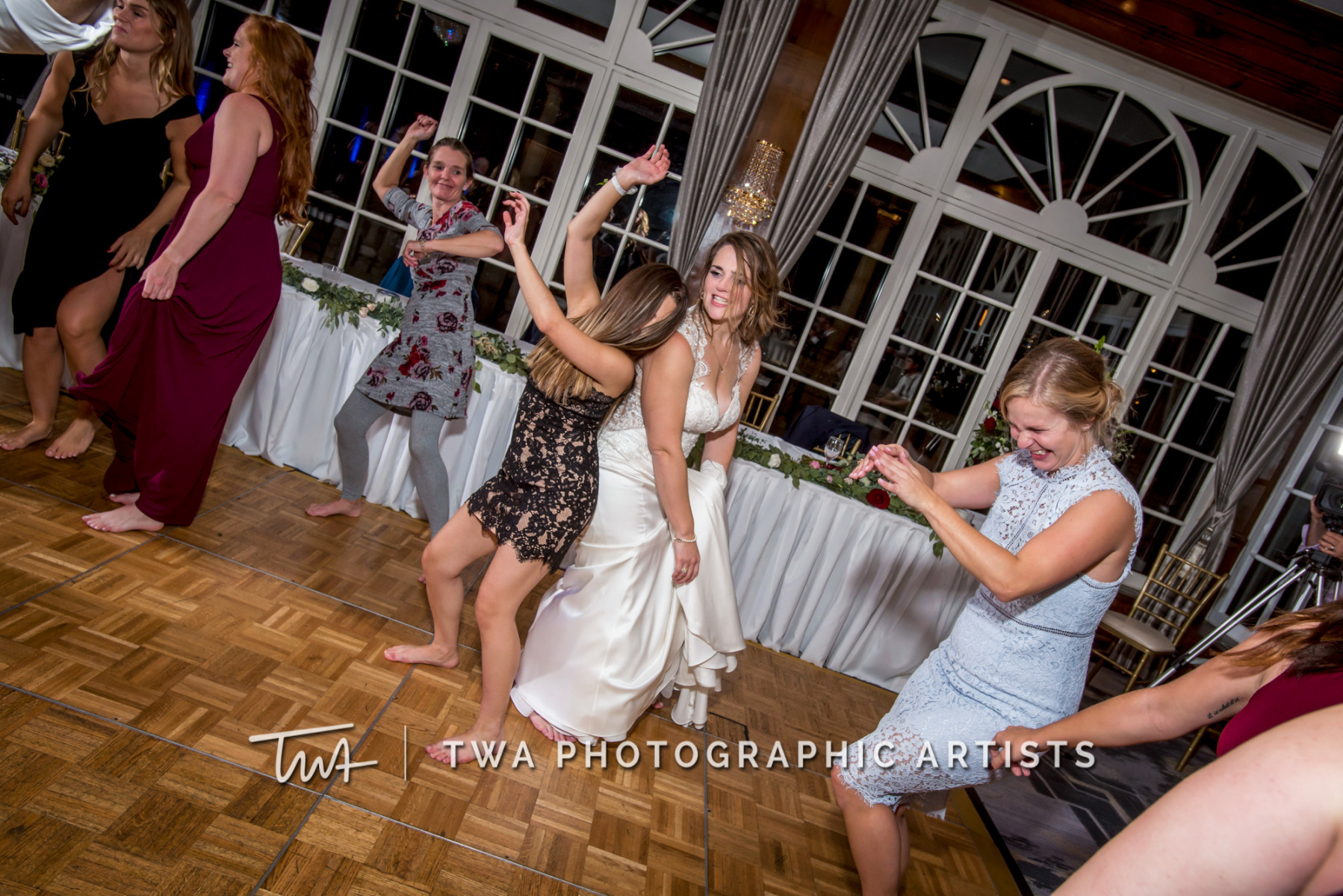 Chicago-Wedding-Photographer-TWA-Photographic-Artists-Drake-Hotal-Oak-Brook_McCann_Pendleton-0873