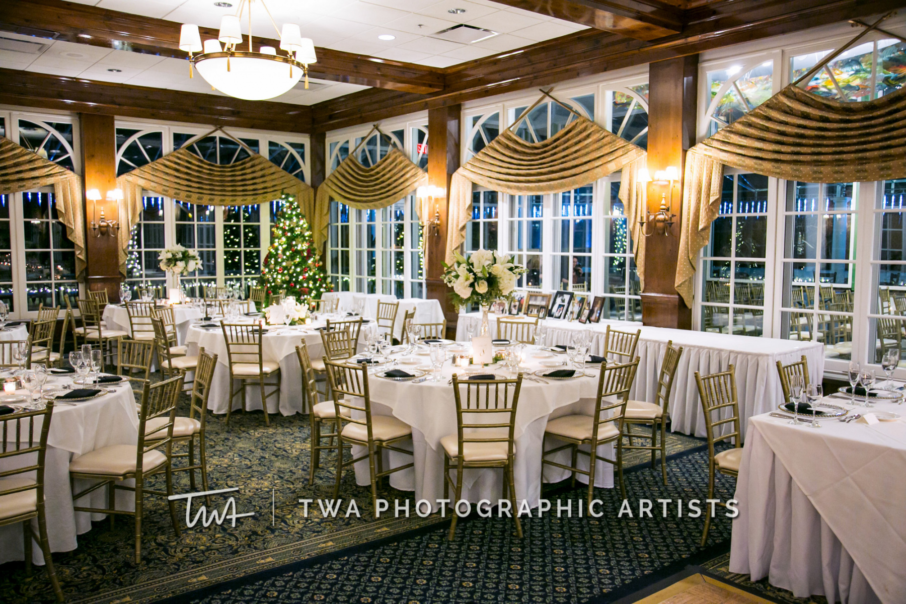 Chicago-Wedding-Photographer-TWA-Photographic-Artists-Drake-Oak-Brook_Bartlett_Najac_TL_CM-0744