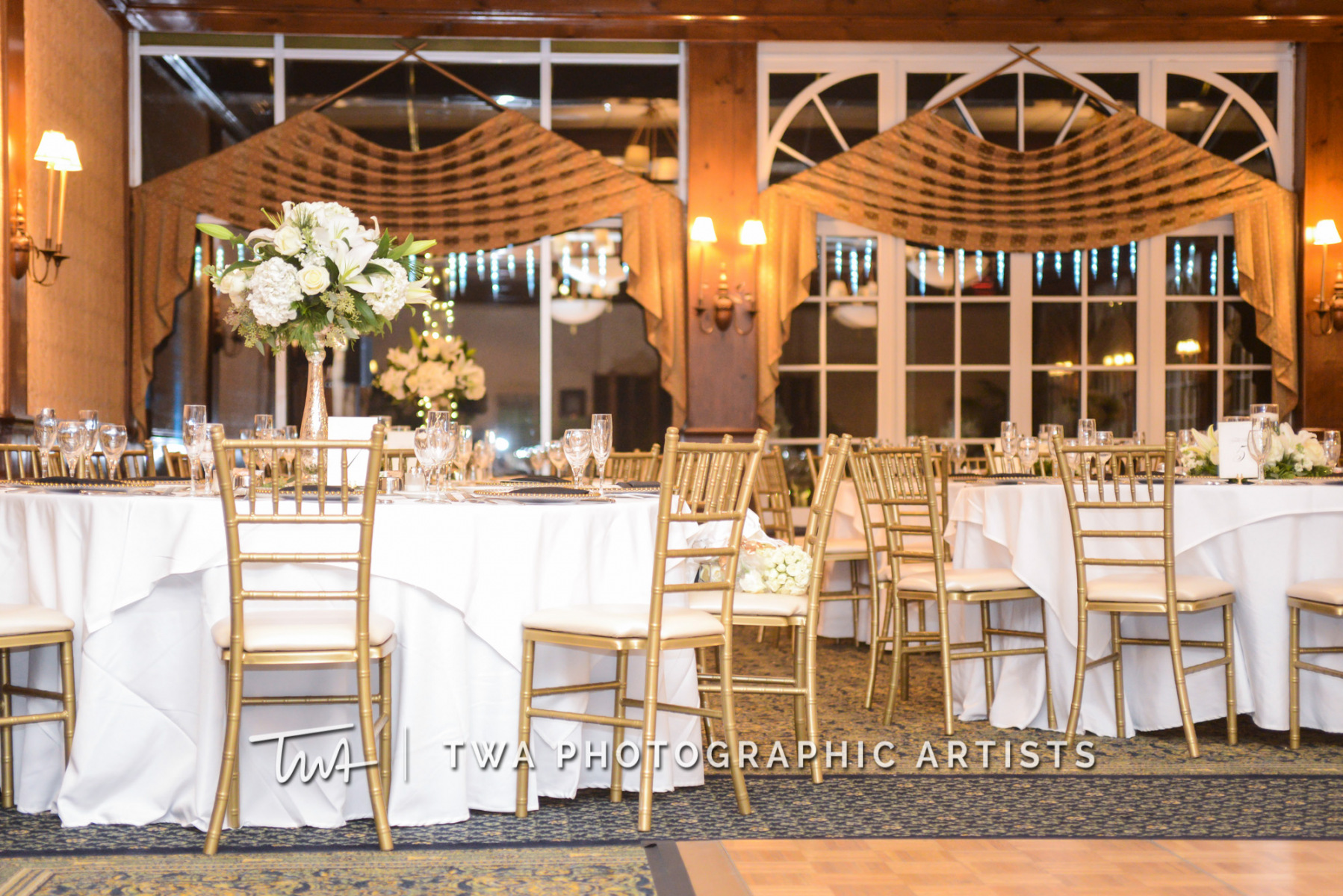 Chicago-Wedding-Photographer-TWA-Photographic-Artists-Drake-Oak-Brook_Bartlett_Najac_TL_CM-1598