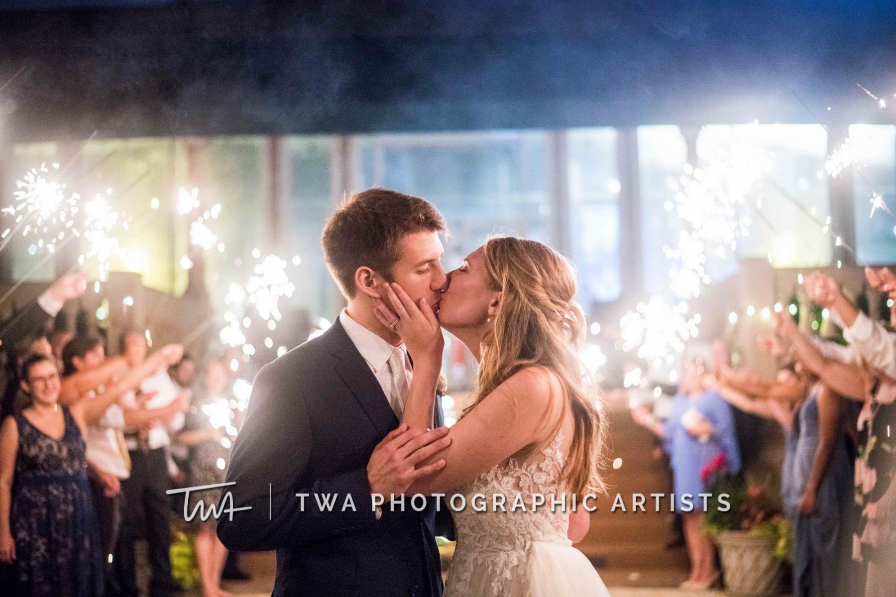 Chicago-Wedding-Photographer-TWA-Photographic-Artists-Drake-Oak-Brook_Johnson_Bartz_MZ_CL-1449