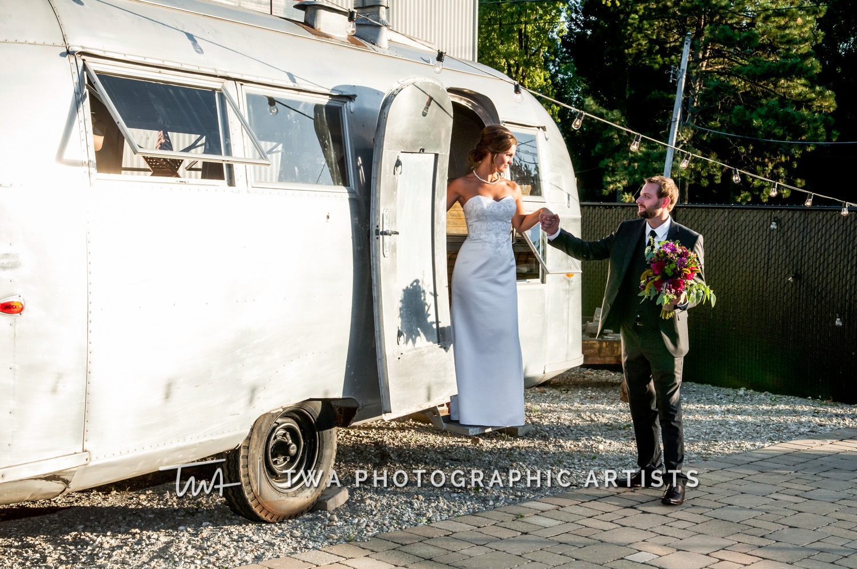 Chicago-Wedding-Photographer-TWA-Photographic-Artists-Warehouse-109_Boyd_Sernft_DH-0555