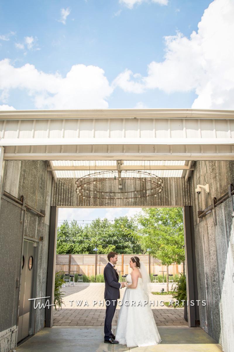 Chicago-Wedding-Photographer-TWA-Photographic-Artists-Warehouse-109_Fadden_Petrick_WM-0687