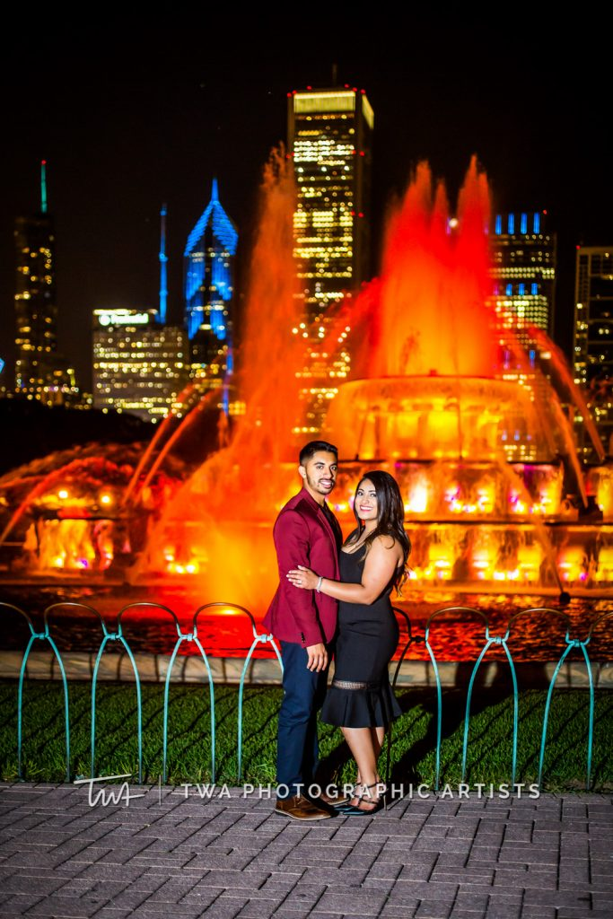 couple in front of buckingham fountain