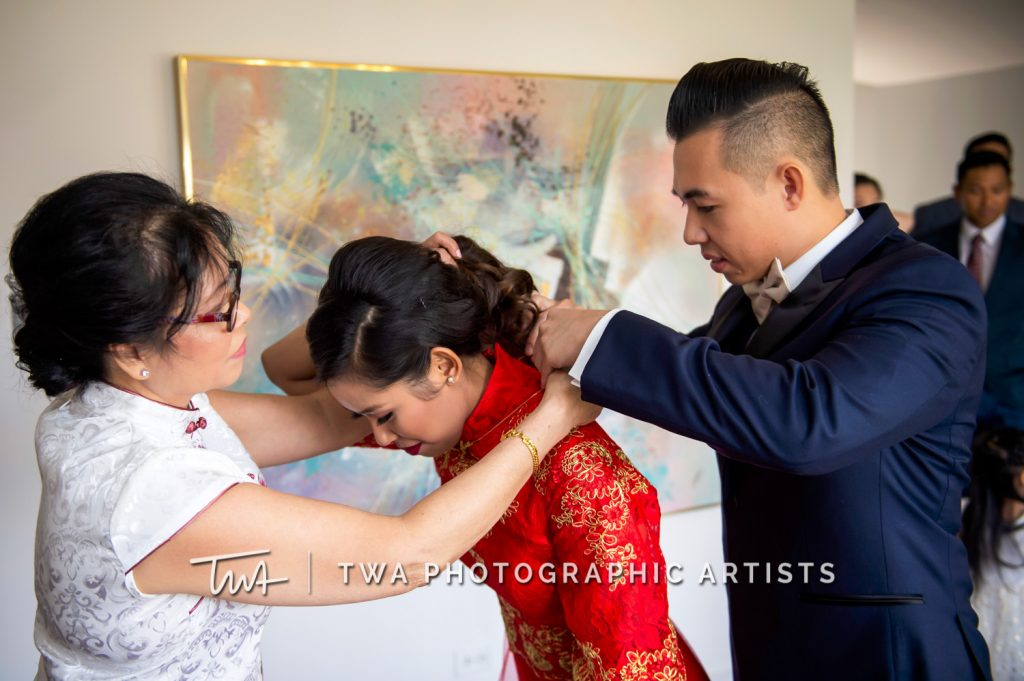 Bride getting ready for Tea Ceremony