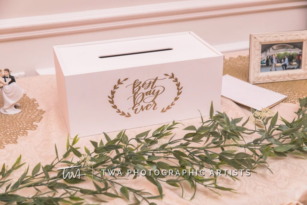 Detail photo of card box