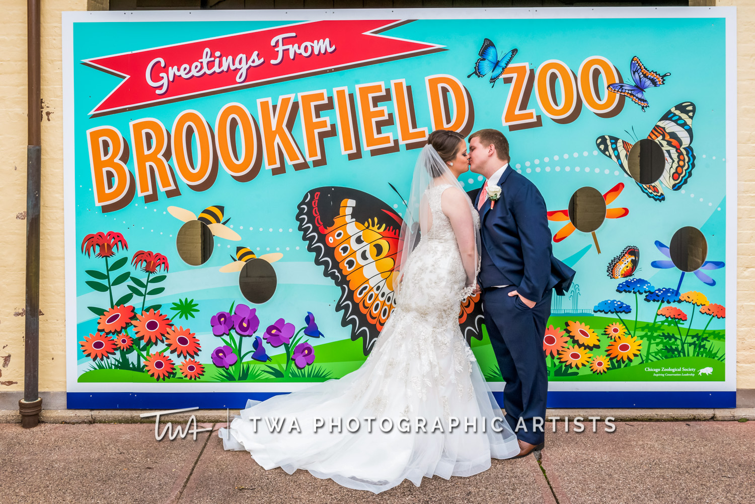 Weddings at The Brookfield Zoo | TWA Photographic Artists | Chicago Wedding Photographers