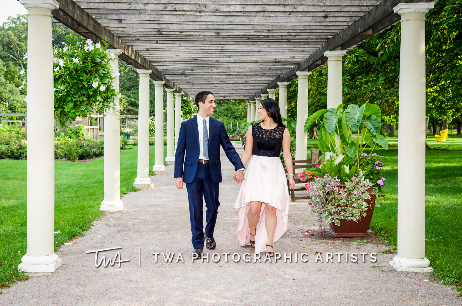 Jessica and Dan's Cantigny Engagement Session