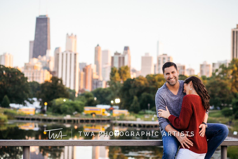 Jessica & Gerardo's Lincoln Park Engagement